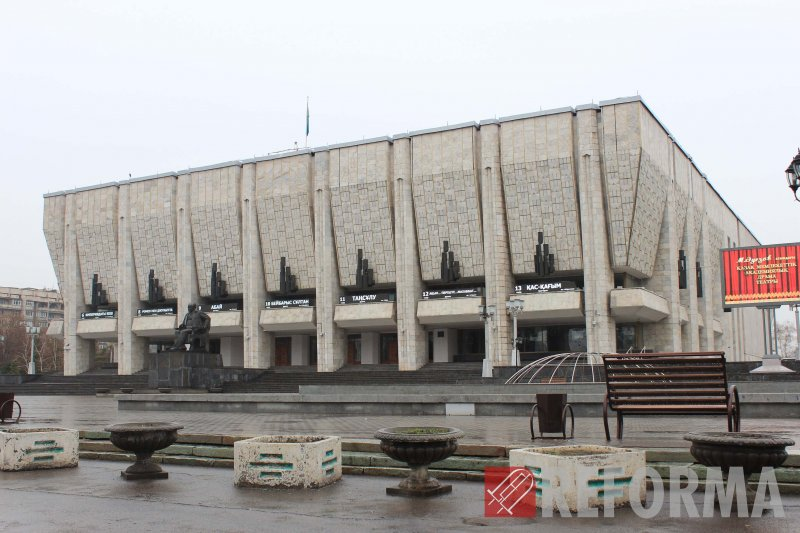 Фото Светодиодные афиши для театра им. М. Ауэзова