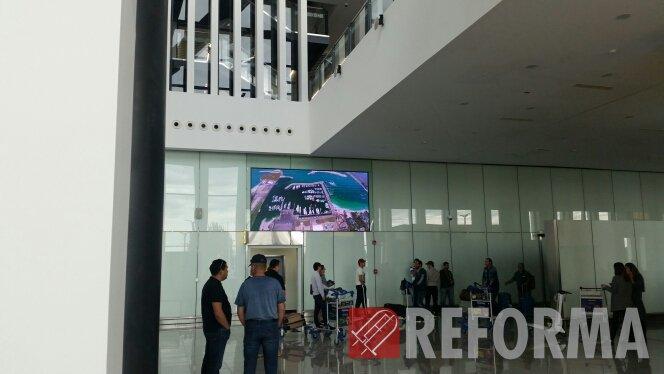 Фото Светодиодные экраны в новом аэропорте Астаны