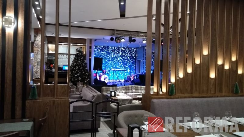 Фото Модульный экран P5 для кафе