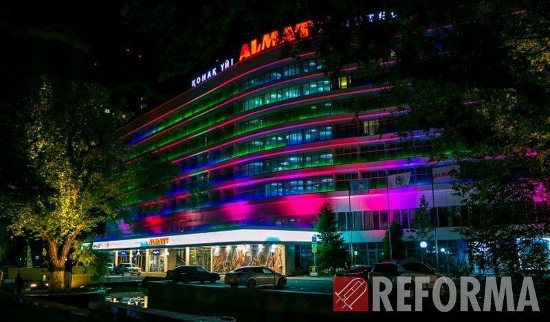 Фото Управляемая подсветка гостиницы «Алматы»